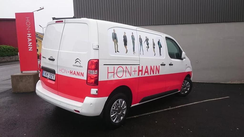 Hon + Hann bilur